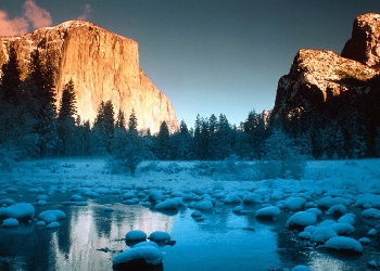 Beautiful_Yosemite_Valley_Wallpaper__yvt2