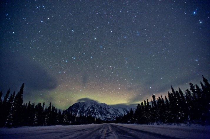 alaska-aurora-aurora-borealis-beautiful-constellations-Favim.com-328220
