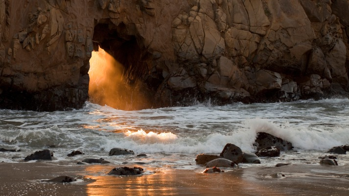 natural-arch-big-sur-california